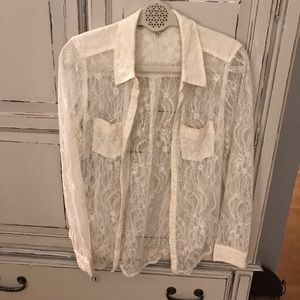 Guess cream colored lace top Sz small